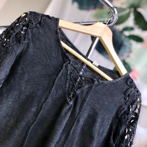 Tops - Airy Long-Sleeve